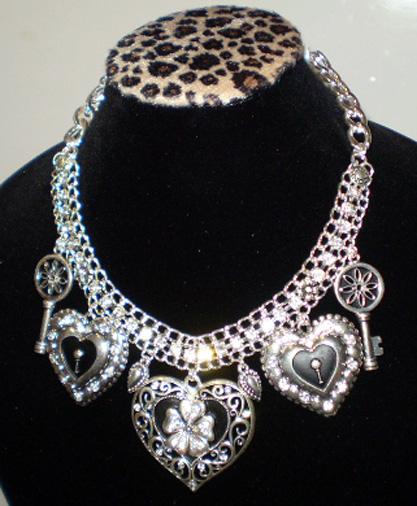 Jewelry002.jpg